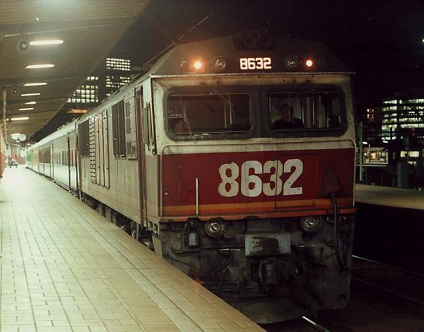 http://www.railpage.org.au/pix/electric/8632_NE92_Sydney_4-7-91.jpg